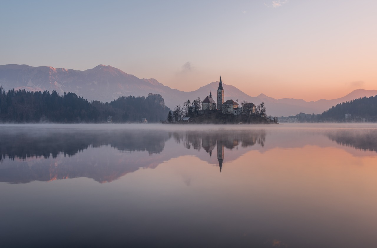 Bled Rowing Tour